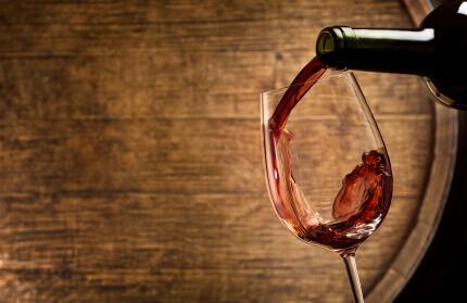 how to age wine in an oak barrel