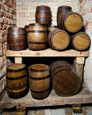Using An Oak Barrel To Age Your Spirits, Wine And Liquor