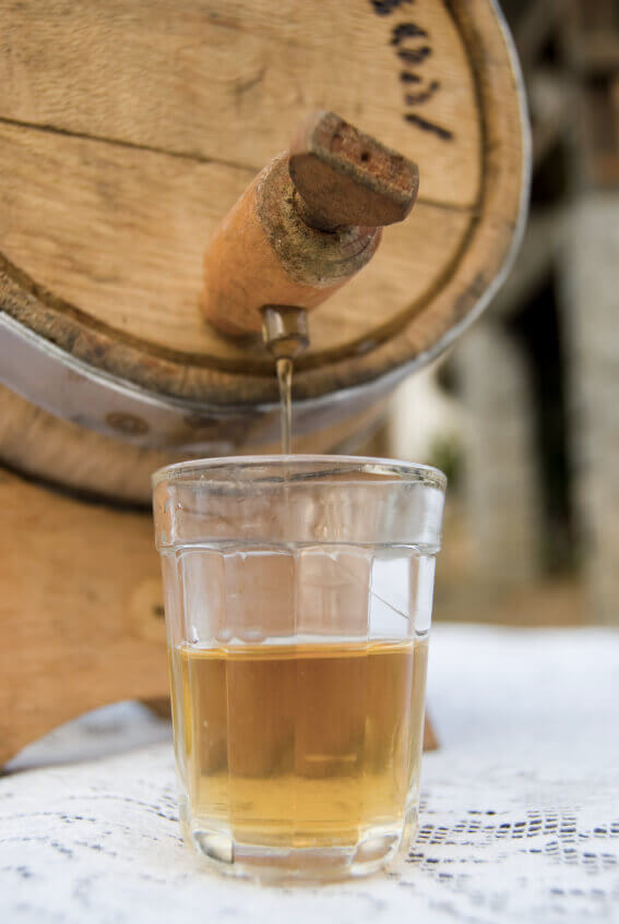 Oak barrel aged cocktails