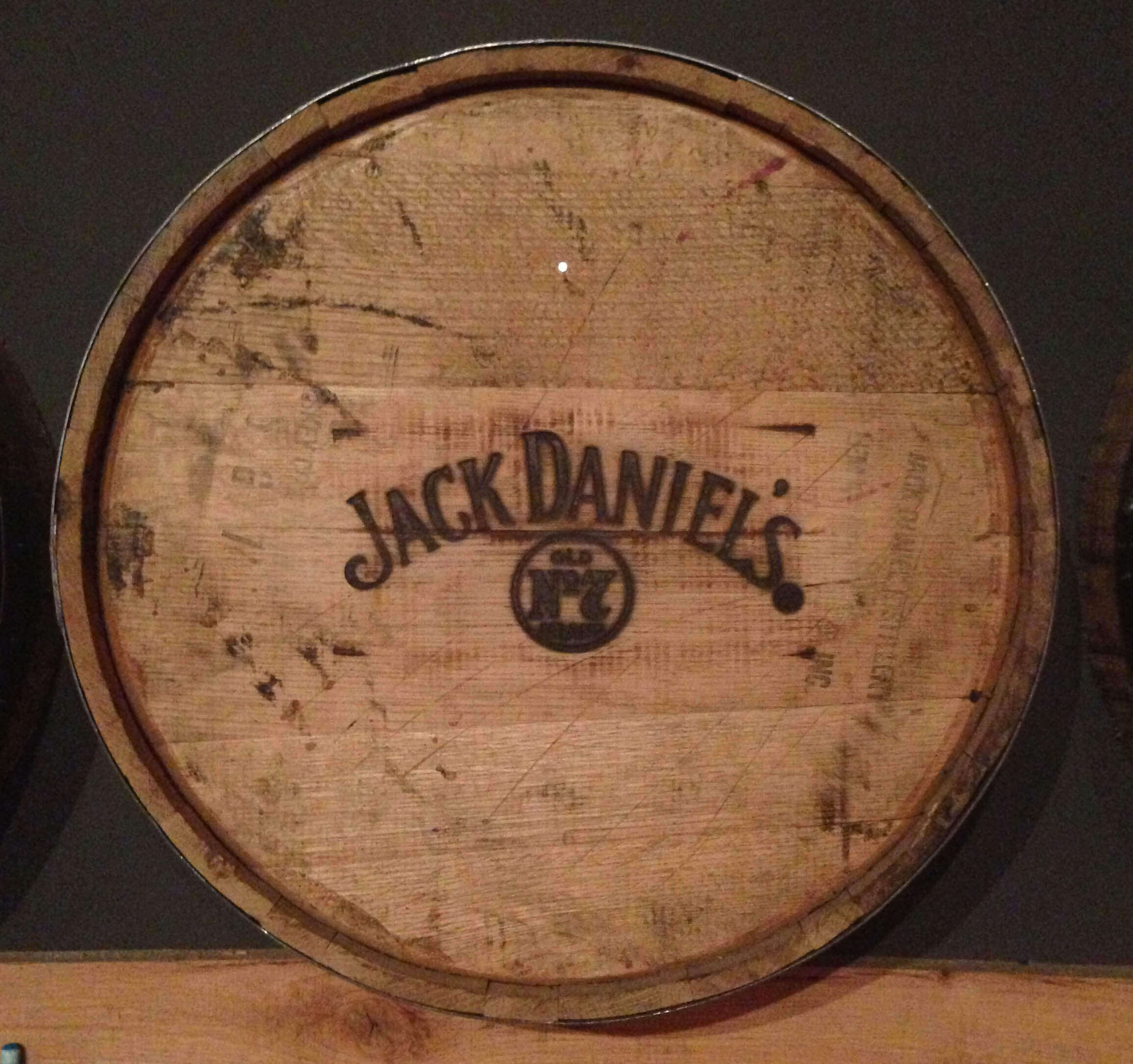 Jack daniels oak barrel red head oak barrels aging rum - Barriles de vino ...