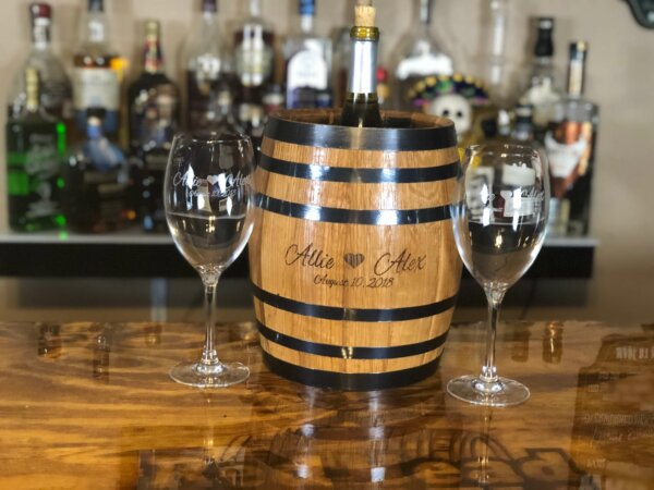 barrel ice bucket wine glasses set