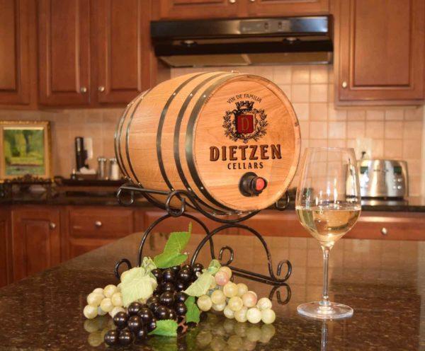 B562 bag barrel design wine