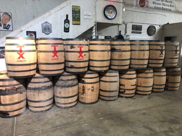 Jack Daniels Bourbon Oak Whiskey whisky Barrels Authentic Buffalo Trace Wine full size 53 Gallon Whiskey Barrel w Bung fresh dumped