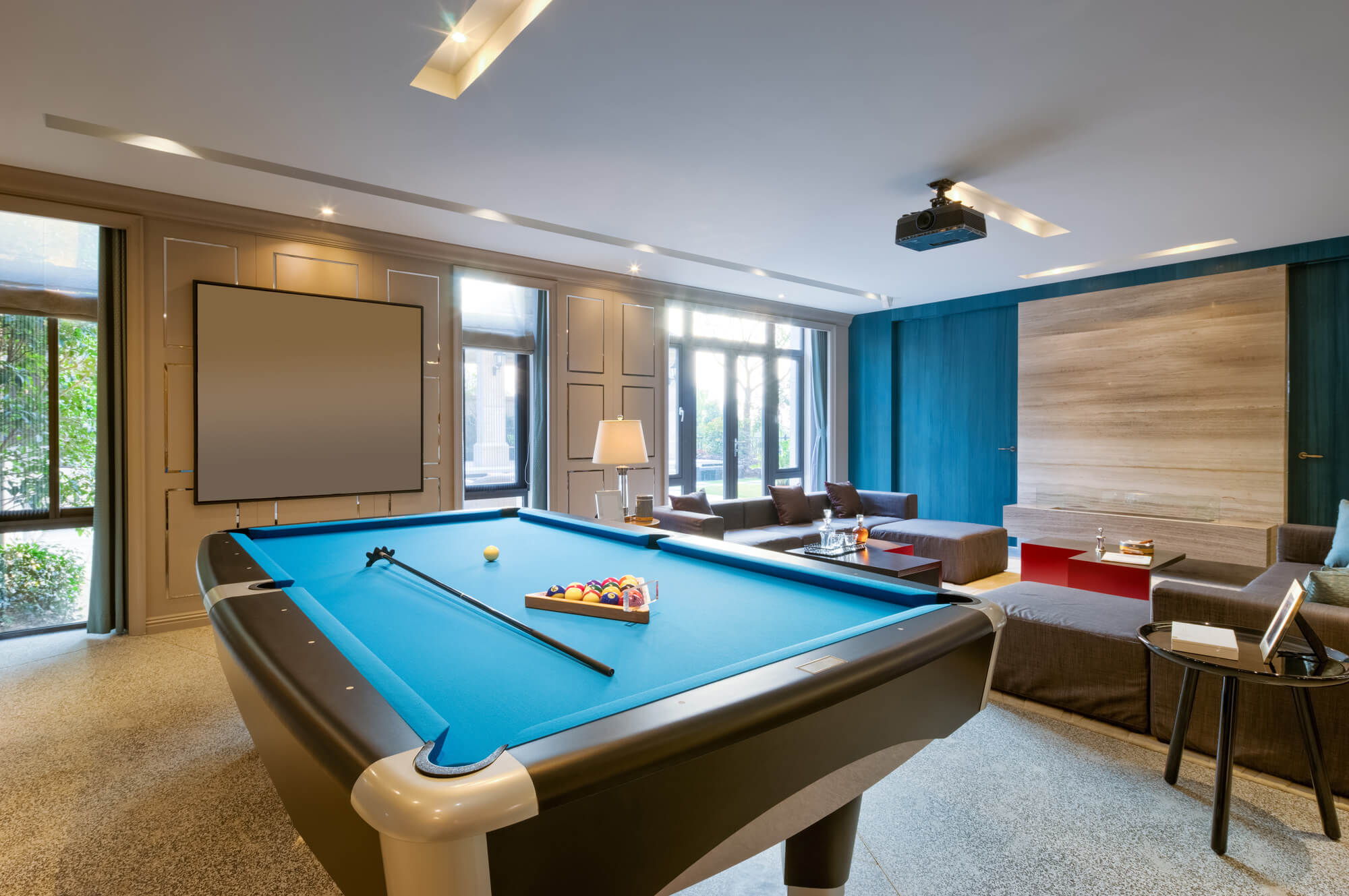 Top 7 Must-Haves For The Ultimate Man Cave